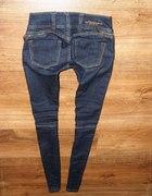 jeansy rurki legginsy tregginsy cygaretki DENIM...