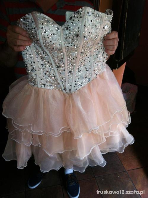 Suknie i sukienki cudowna