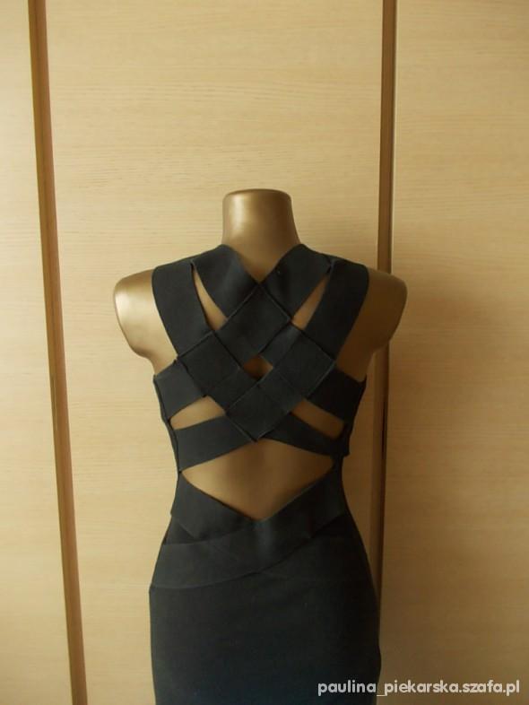 Suknie i sukienki Śliczna ołówkowa wycięcia na plecach SM