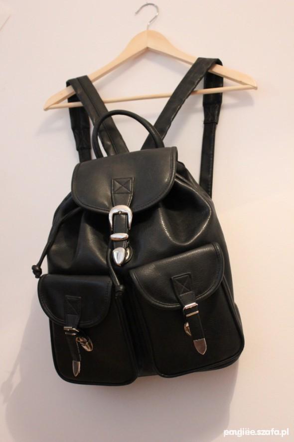Poszukiwane CZARNY plecak vintage