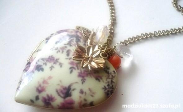 Serduszko floral medalion kwiaty długi
