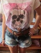 szorty i t shirt z czaszką