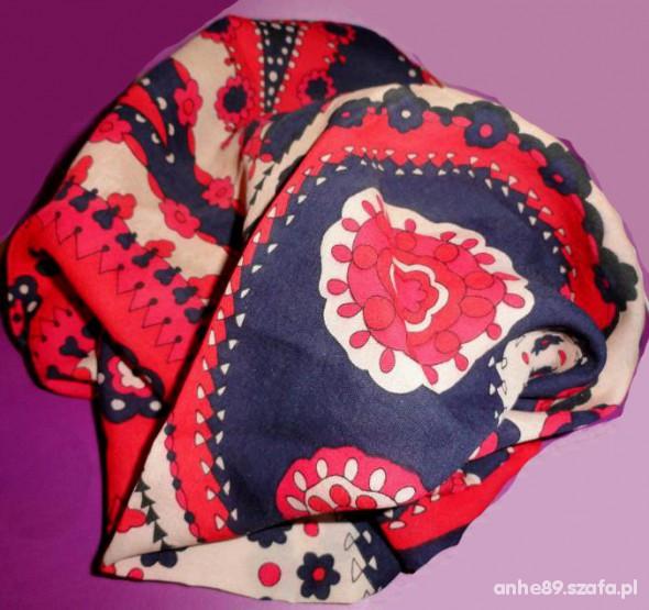 Chusty i apaszki apaszka w kwiaty