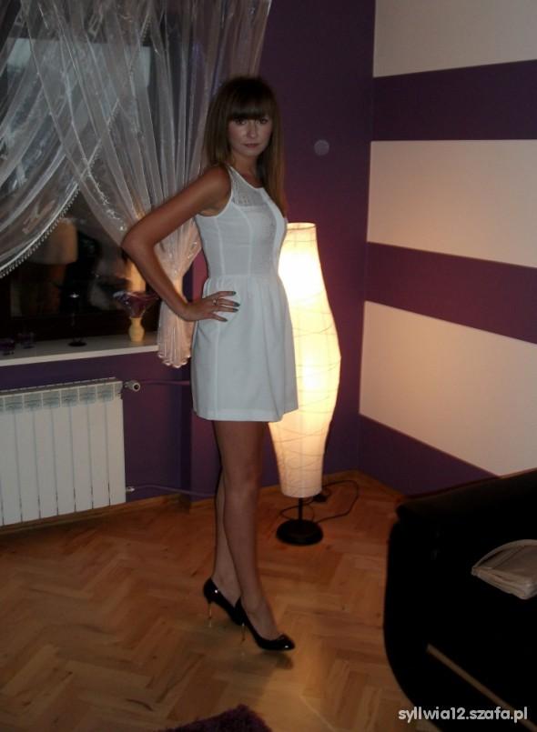 Na specjalne okazje Sukienka Zara rozkloszowana