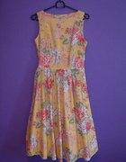 Rozkloszowana sukienka w róże Vintage...