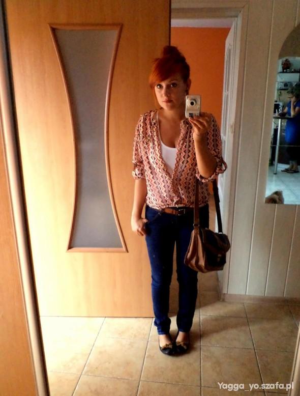 Mój styl Koszula zygzaki jeansy teczka