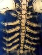 Kamizelka jeansowa DIY kościotrup...
