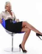 Elegancka sukienka beżowo czarna Lili L