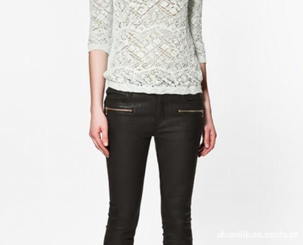 sweterek koronkowy