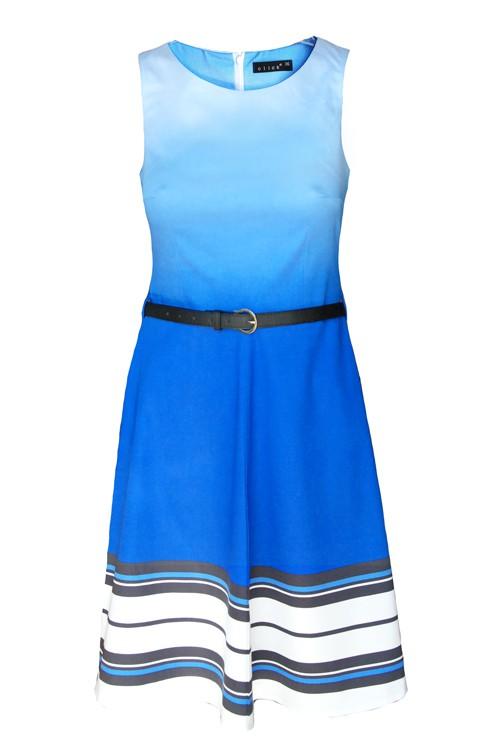 Niebieska sukienka z paskami...