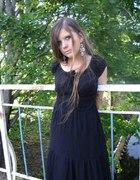 Czarna sukienka do kostek...