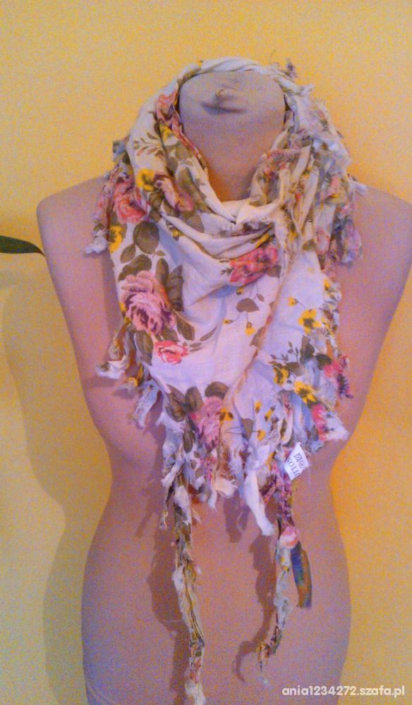 Chusty i apaszki vintage chusta floral strzępiona