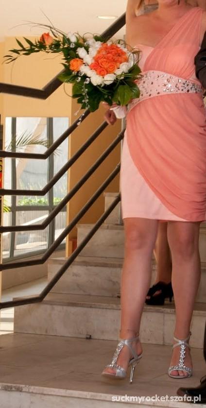 Łososiowa sukienka z kryształkami r M w Suknie i sukienki