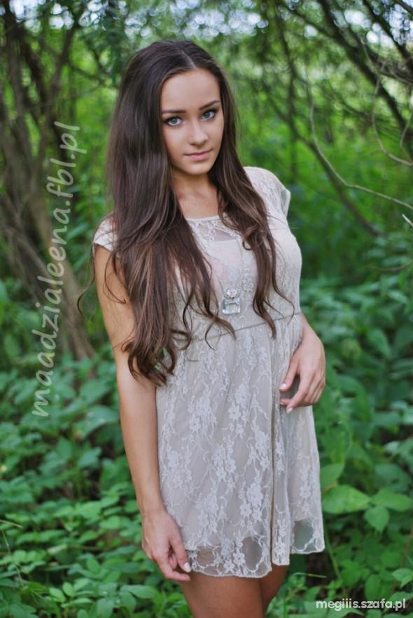 Romantyczne sukienko tunika koronkowa seesja