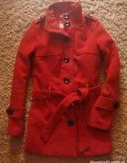 Atmosphere czerwony płaszczyk
