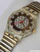 Złoty swatch...