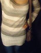 Sweter i jeansy