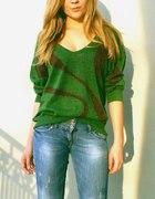 Zielonybłyszczący sweter...