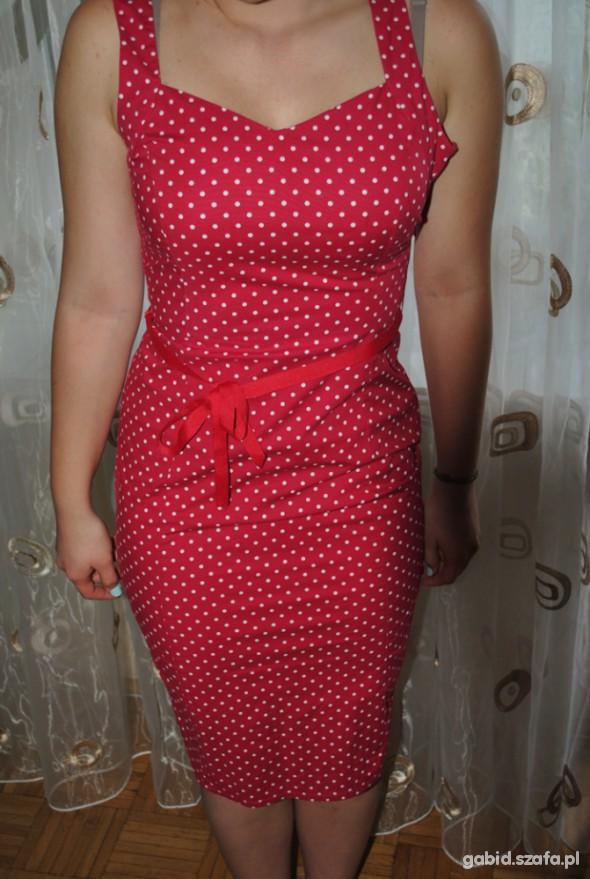 0d433c40 Czerwona Sukienka w białe groszki w Suknie i sukienki - Szafa.pl