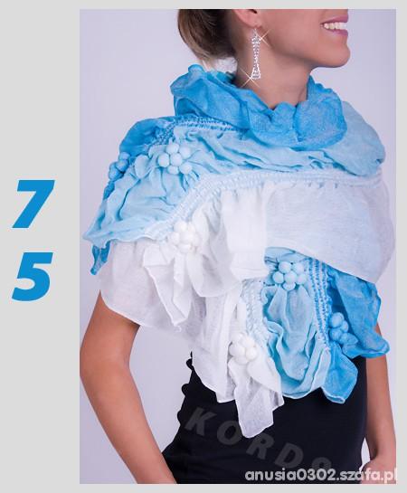 Chusty i apaszki szal niebieski kwiat cudo