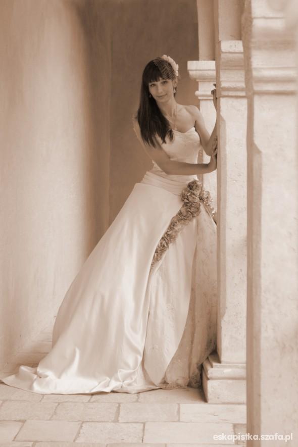 Na specjalne okazje Ślubnie na wzór Pniny Tornai
