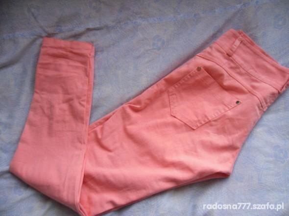 Spodnie Piękne morelowe rurki HIT