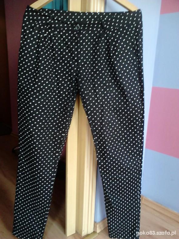 Spodnie Czarne w groszki