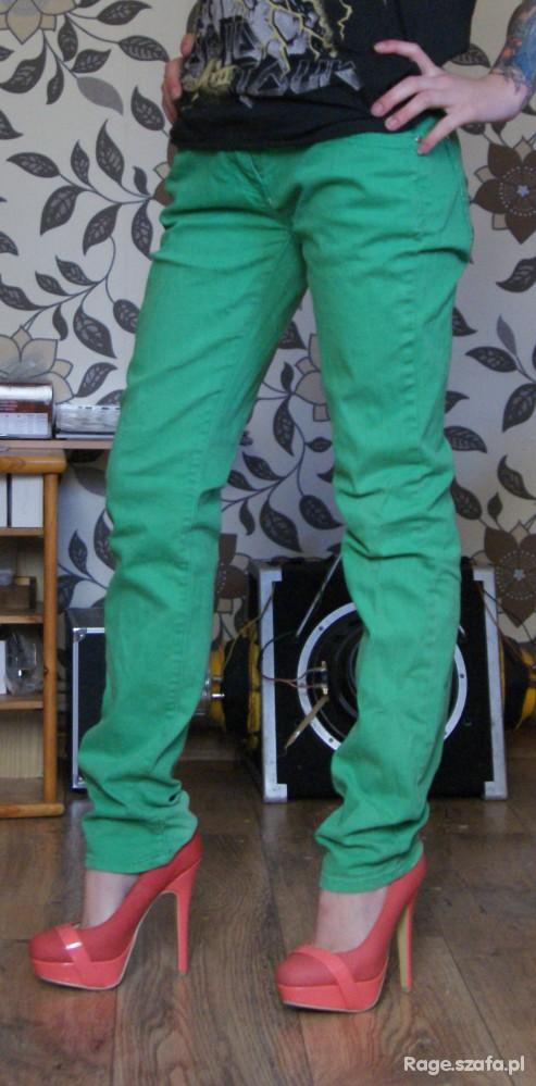 Spodnie zielone rurki