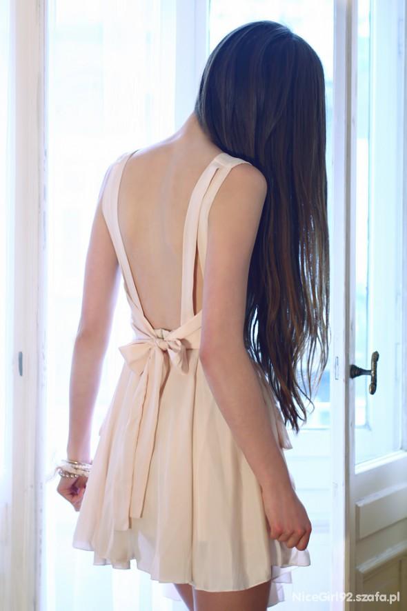 Suknie i sukienki sukienka z odkrytymi plecami