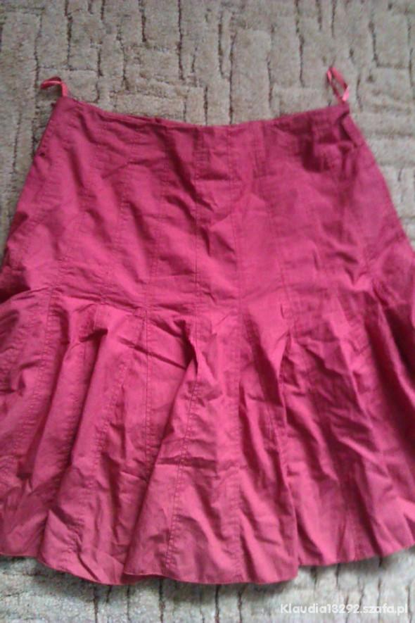 Spodnie czerwona rozkloszona spodnica reserved M