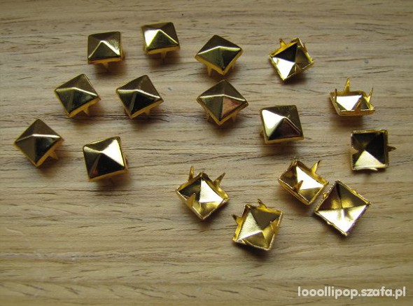 Pozostałe Ćwieki piramidki złote 8mm 7mm
