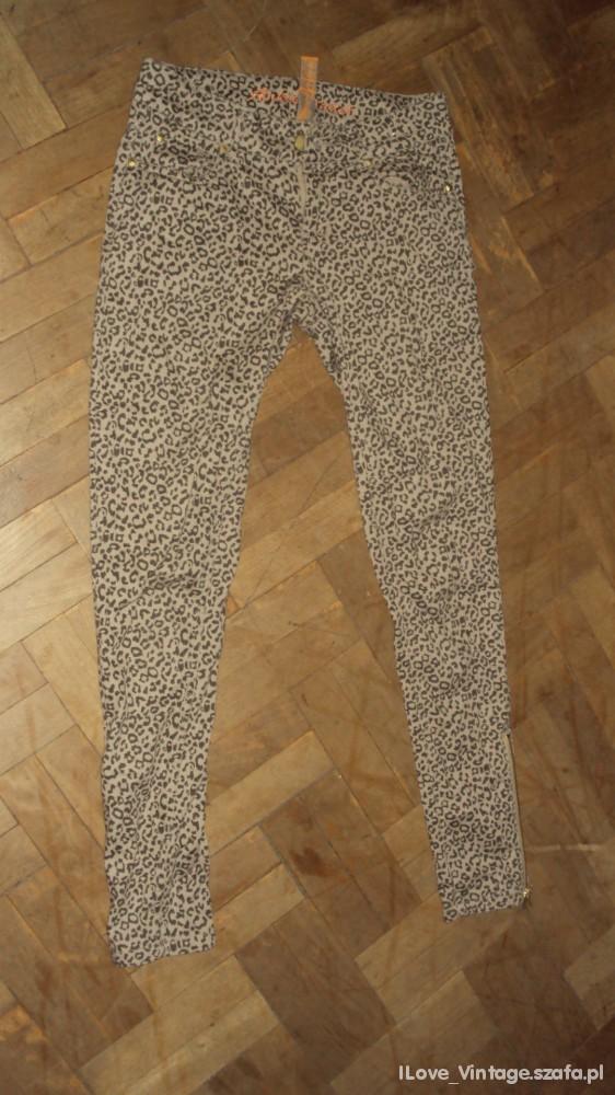 Spodnie Spodnie w Panterke