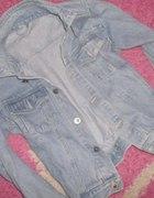 jasny jeansik