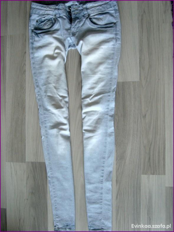 Spodnie RURKI TERRANOVA S