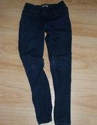 super spodnie treginsy firmy bershka