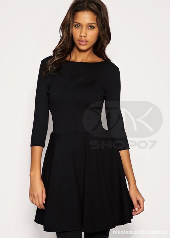 Suknie i sukienki Czarna klasyczna rozkloszowana sukienka M