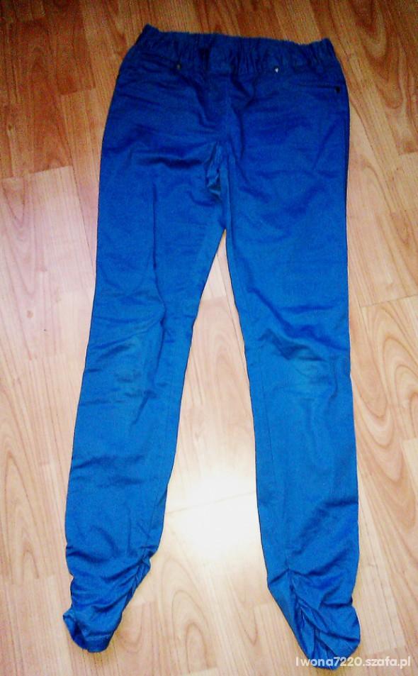 Spodnie niebieskie treginsy
