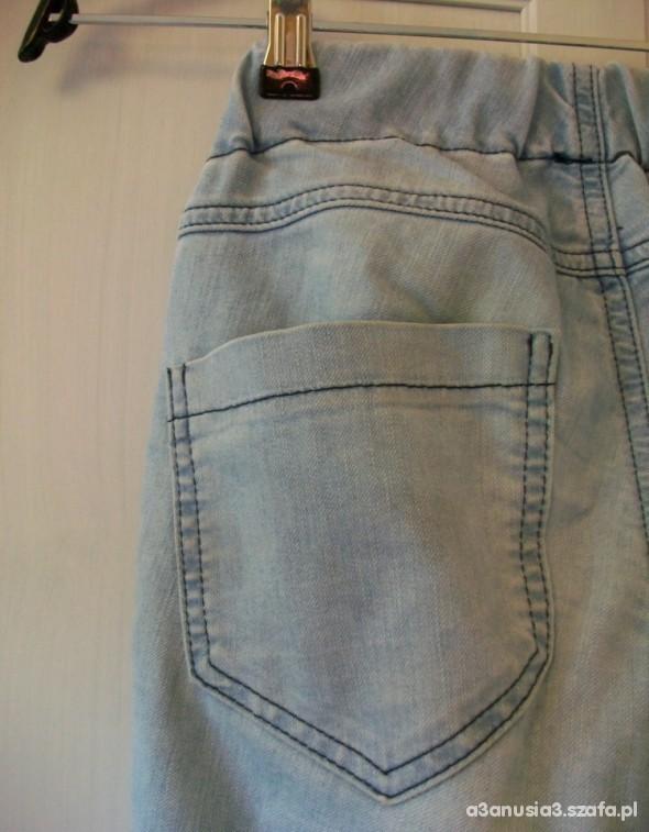 Spodnie ZARA poszukiwane tregginsy jasne jeansy rurki 38
