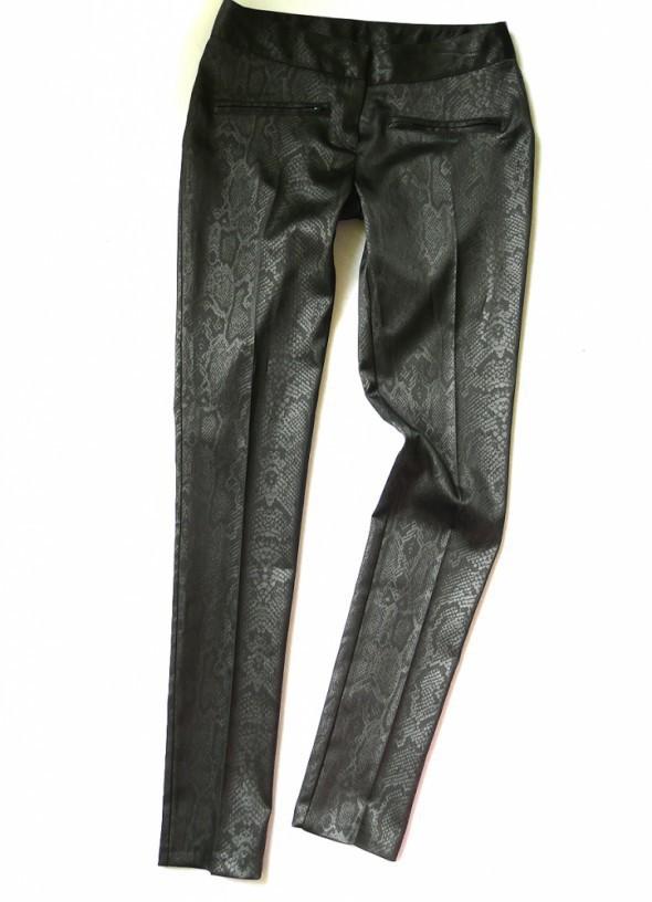 Spodnie Rurki Wężowa skóra 34 XS