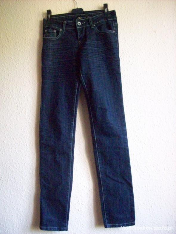 Spodnie Ciemne rurki jeans 15zł