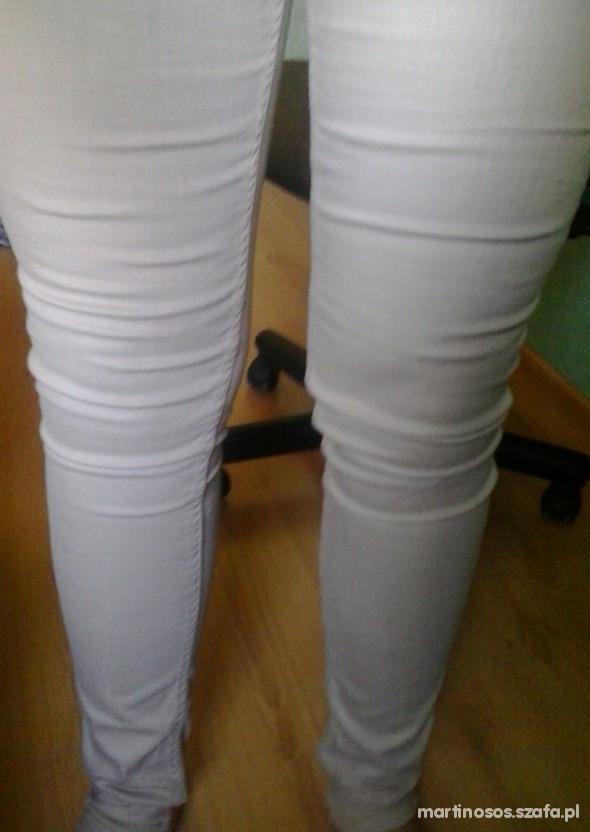 Spodnie BEŻOWE SPODNIE RURKI RESERVED 40