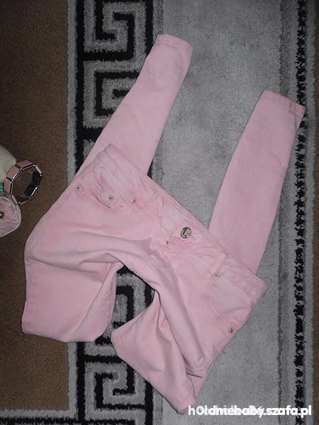 Spodnie pudrowe rurki