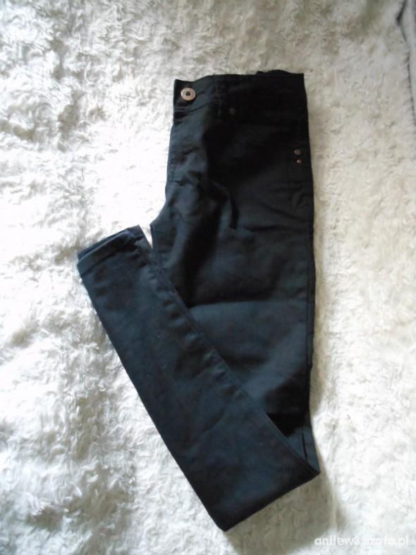 Spodnie czarne rureczki