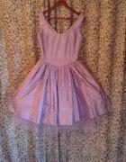 Śliczna sukienka wrzosowa