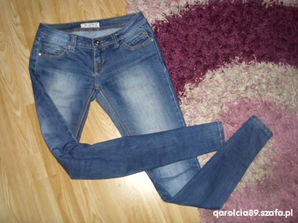 Spodnie rureczki jeansowe M
