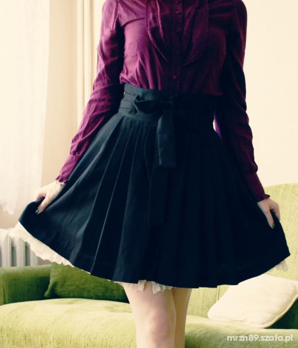 Eleganckie rozkloszowana plisowana spódnica