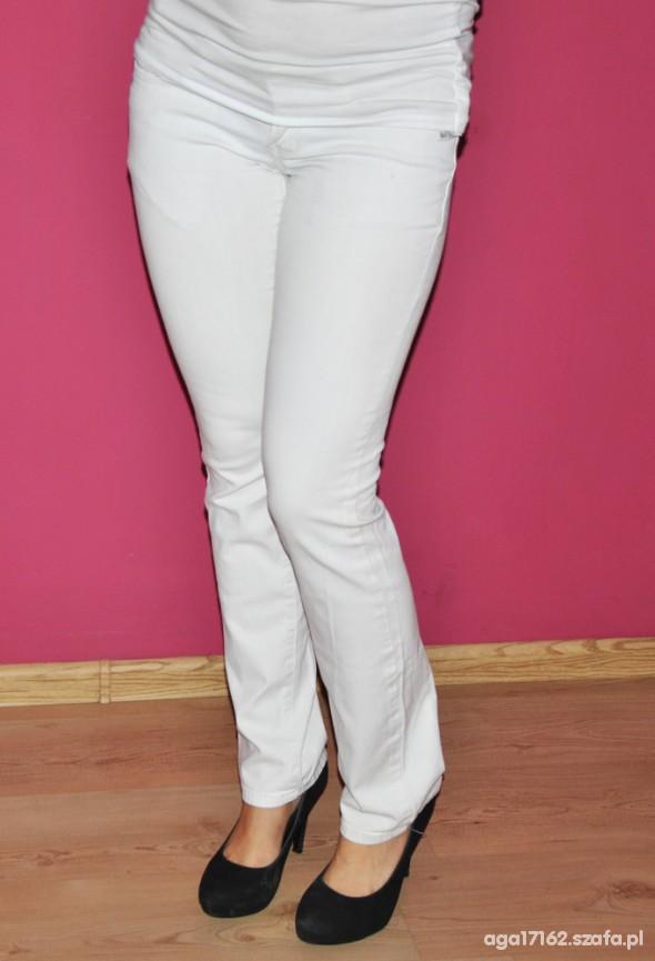 Spodnie Biale spodnie z cekinami