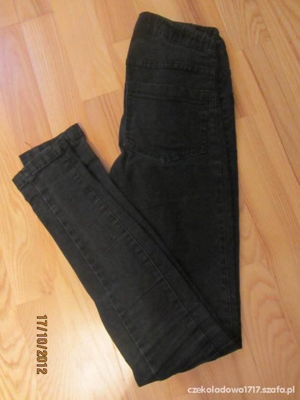 Spodnie czarne spodnie na gumce