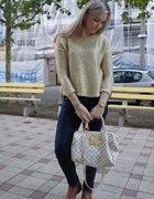 złoty sweter...