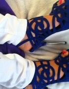 Kobaltowe sandały